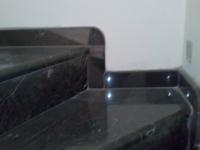 Γυάλισμα μαρμάρων σε σκάλες και τοποθέτηση μαρμάρων